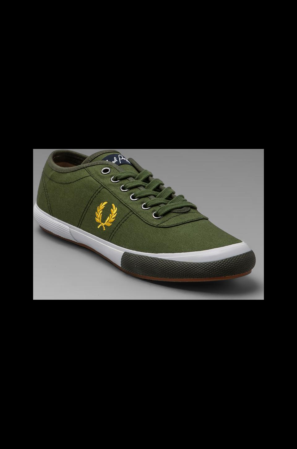 Fred Perry Woodford Canvas in Olive/Canary Yellow/Iris