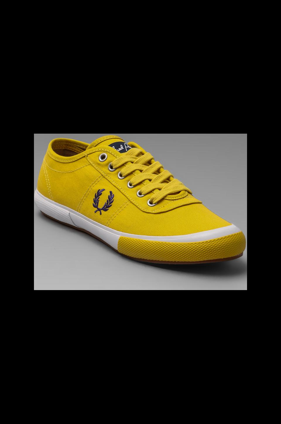 Fred Perry Woodford Canvas in Amarillo/Passion Plum