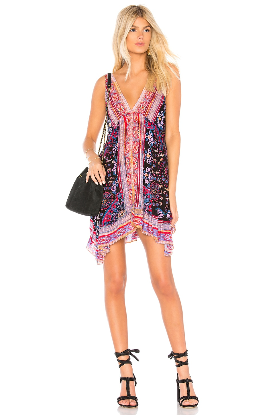 0138ca866582bd LuxeFinds Fashion Shopping Engine