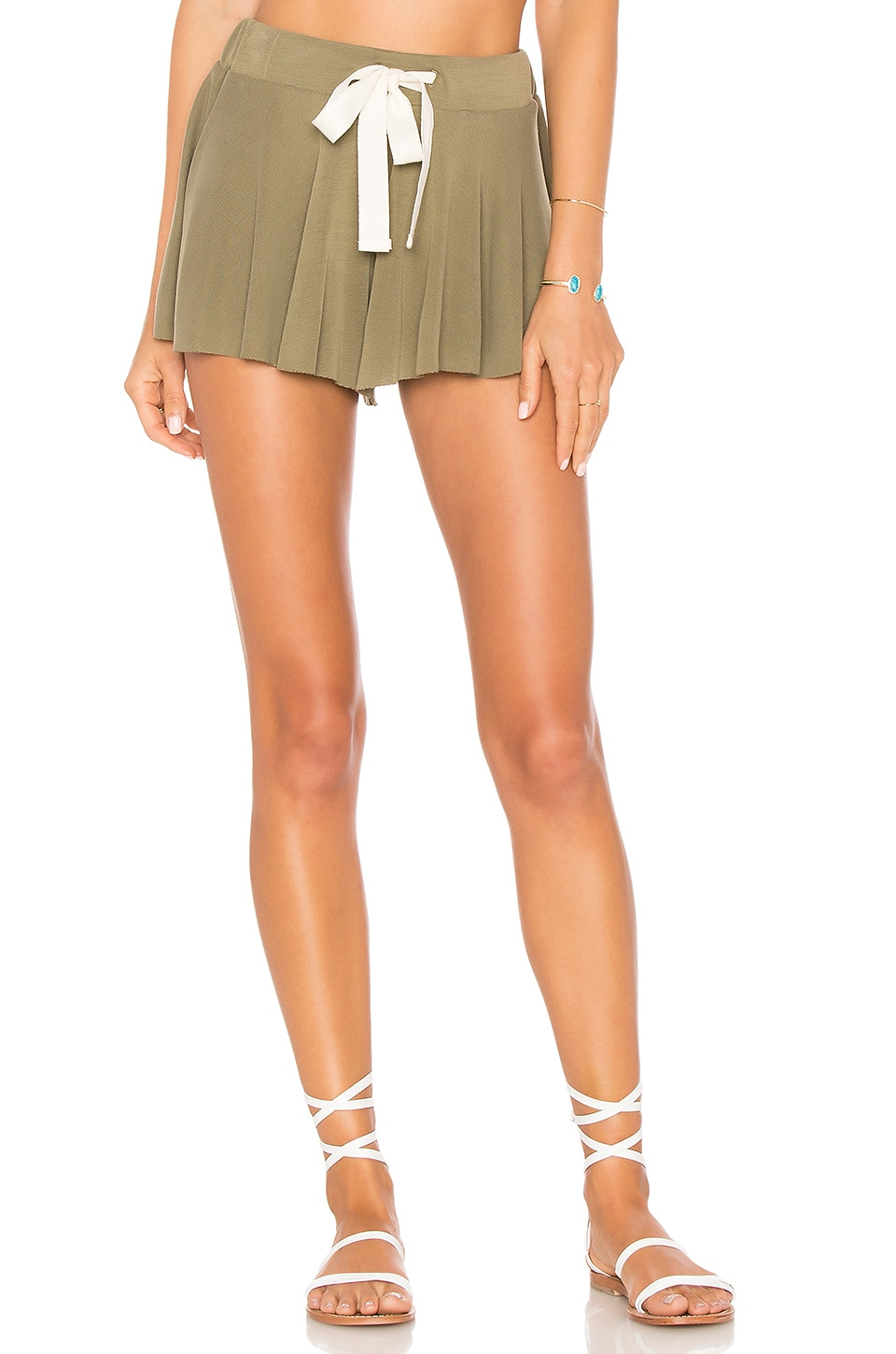 Free People Legs For Days Short en Army