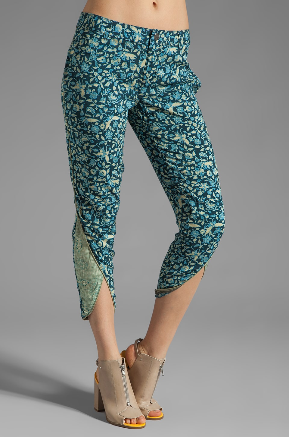 Free People Printed Dolphin Hem Pant in Navy Combo