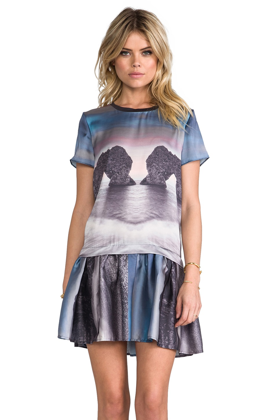 Funktional T-Shirt Dress in Horizon