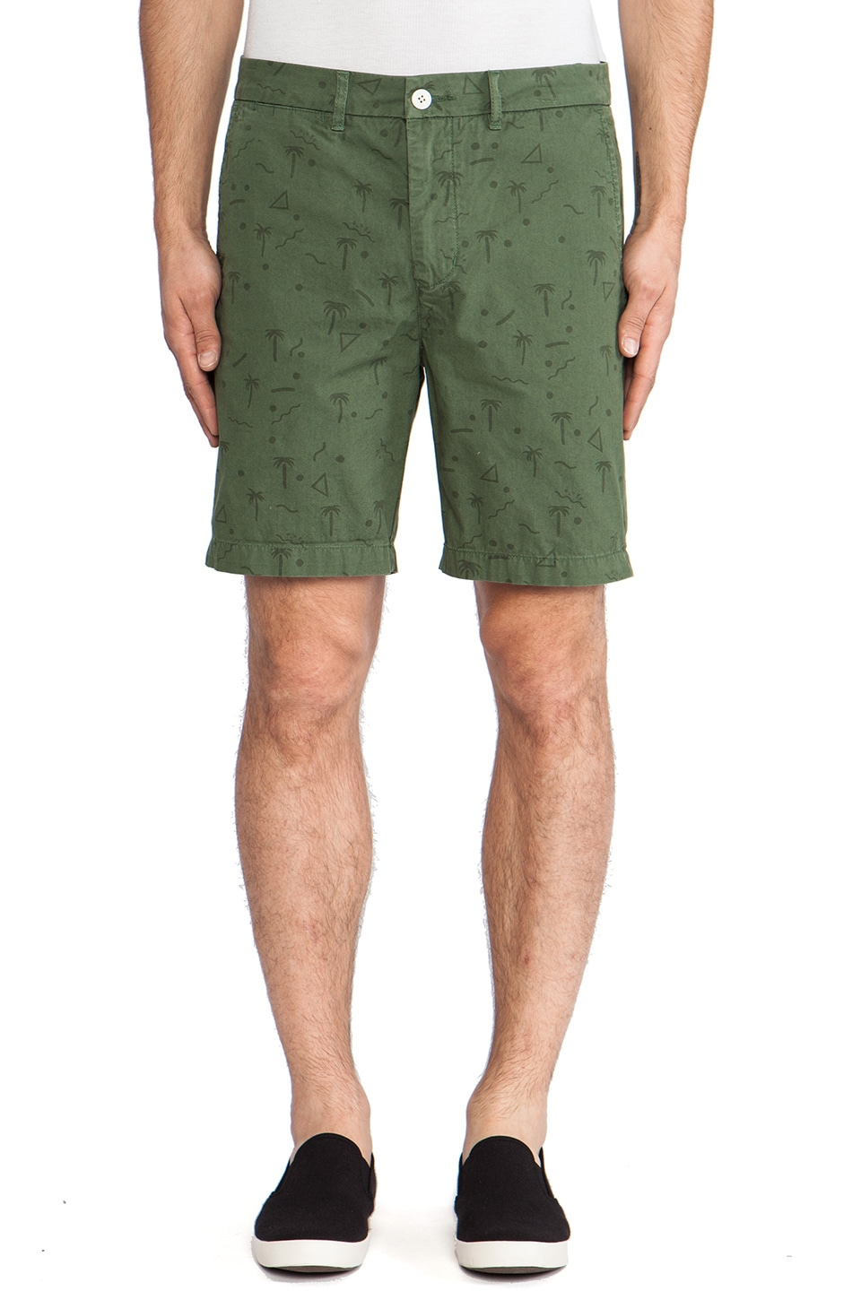 Globe Papaya Walkshort in Green