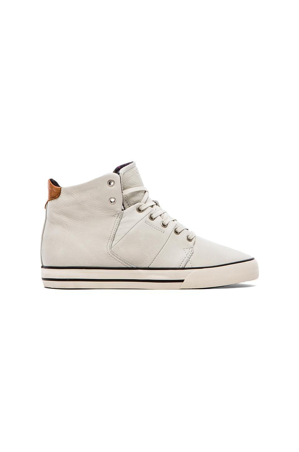 Globe Los Angered Sneaker in White