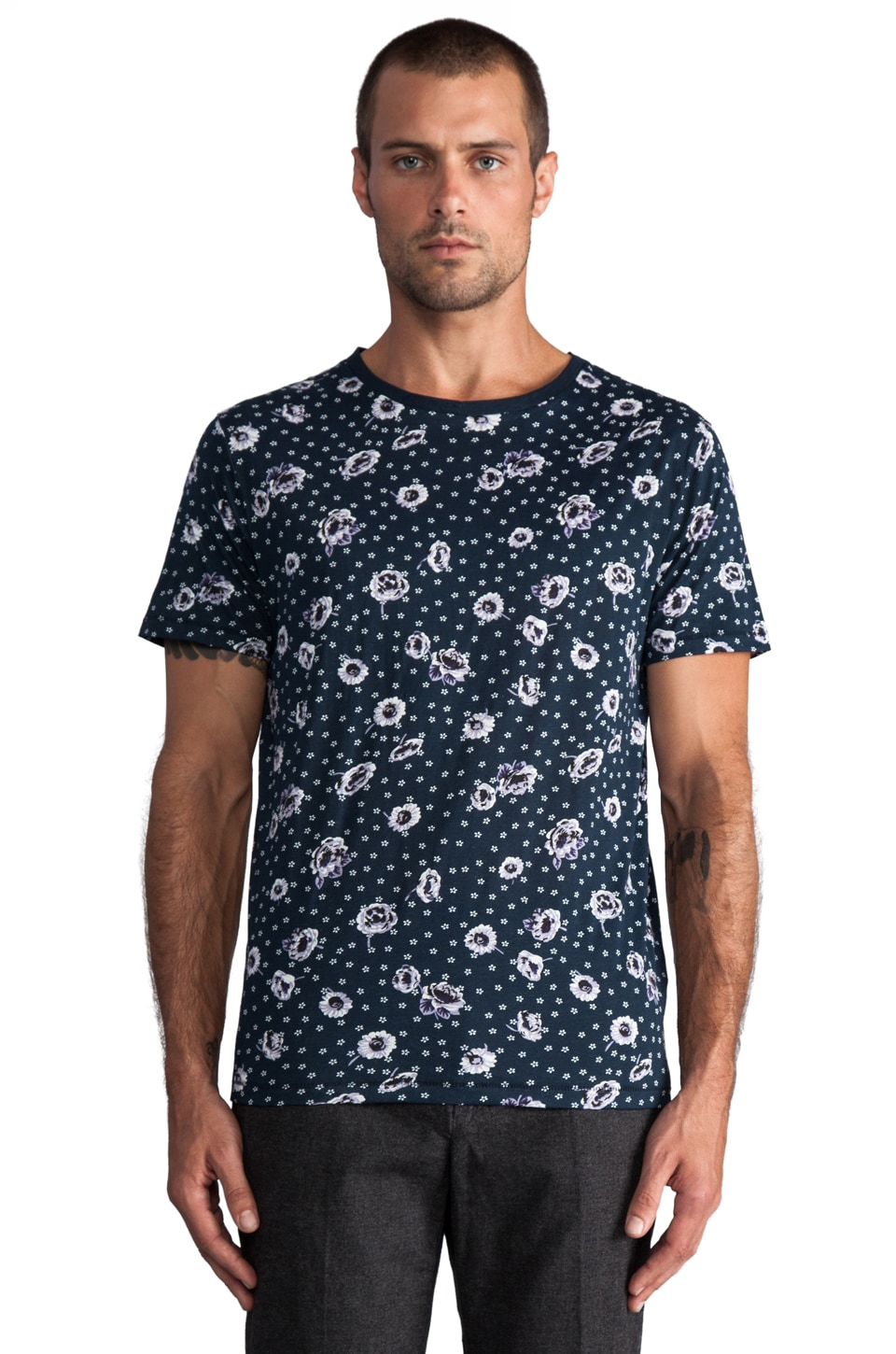 GANT Rugger Coming Up Roses Tee in Marine