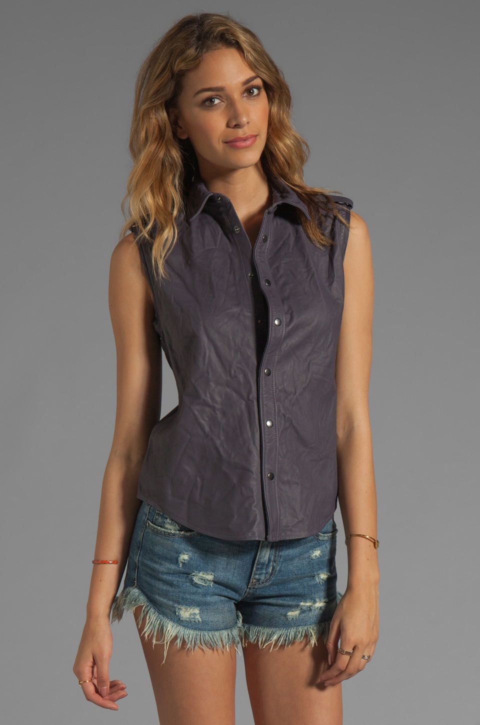 Gryphon Sleeveless Shirt in Grey