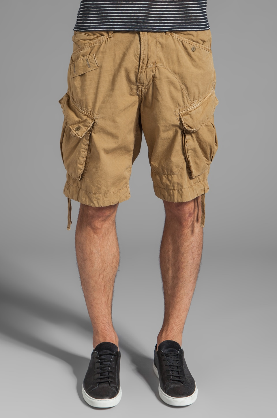 G-Star Rovic Loose Cargo Short in Dark Fall