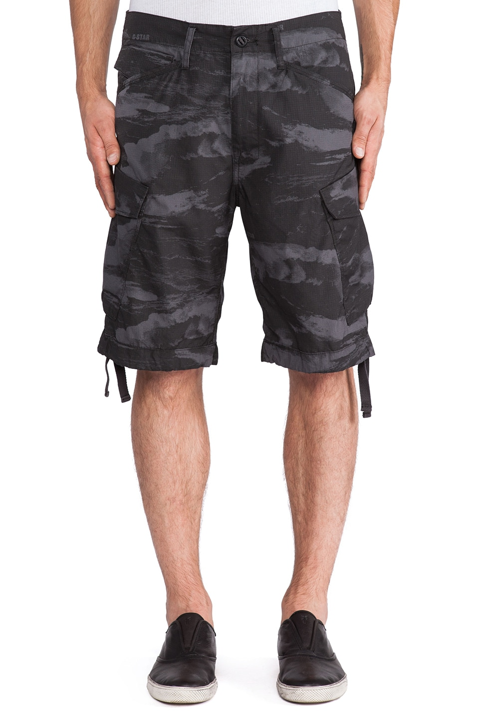 G-Star Rovic Loose Wave Bermuda Cargo Short in Raven