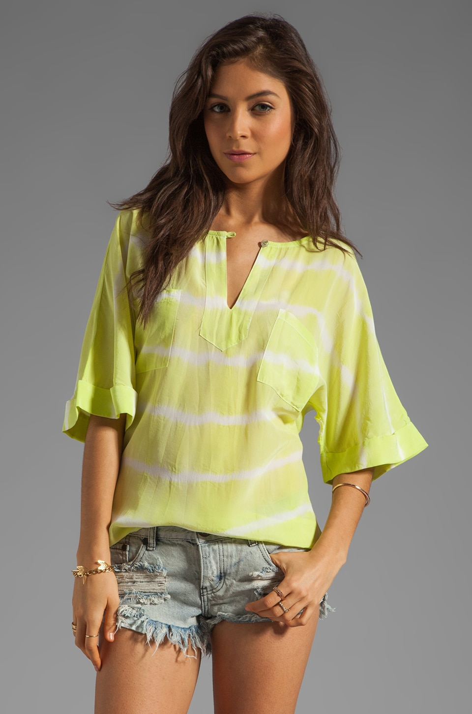 Gypsy 05 Sarah Double Pocket S/S Top in Lime