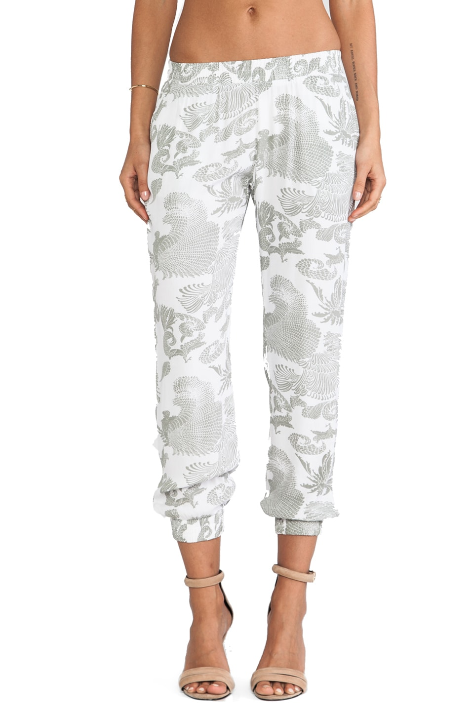 MONROW Feather Crepe Skinny Sweatpants in White