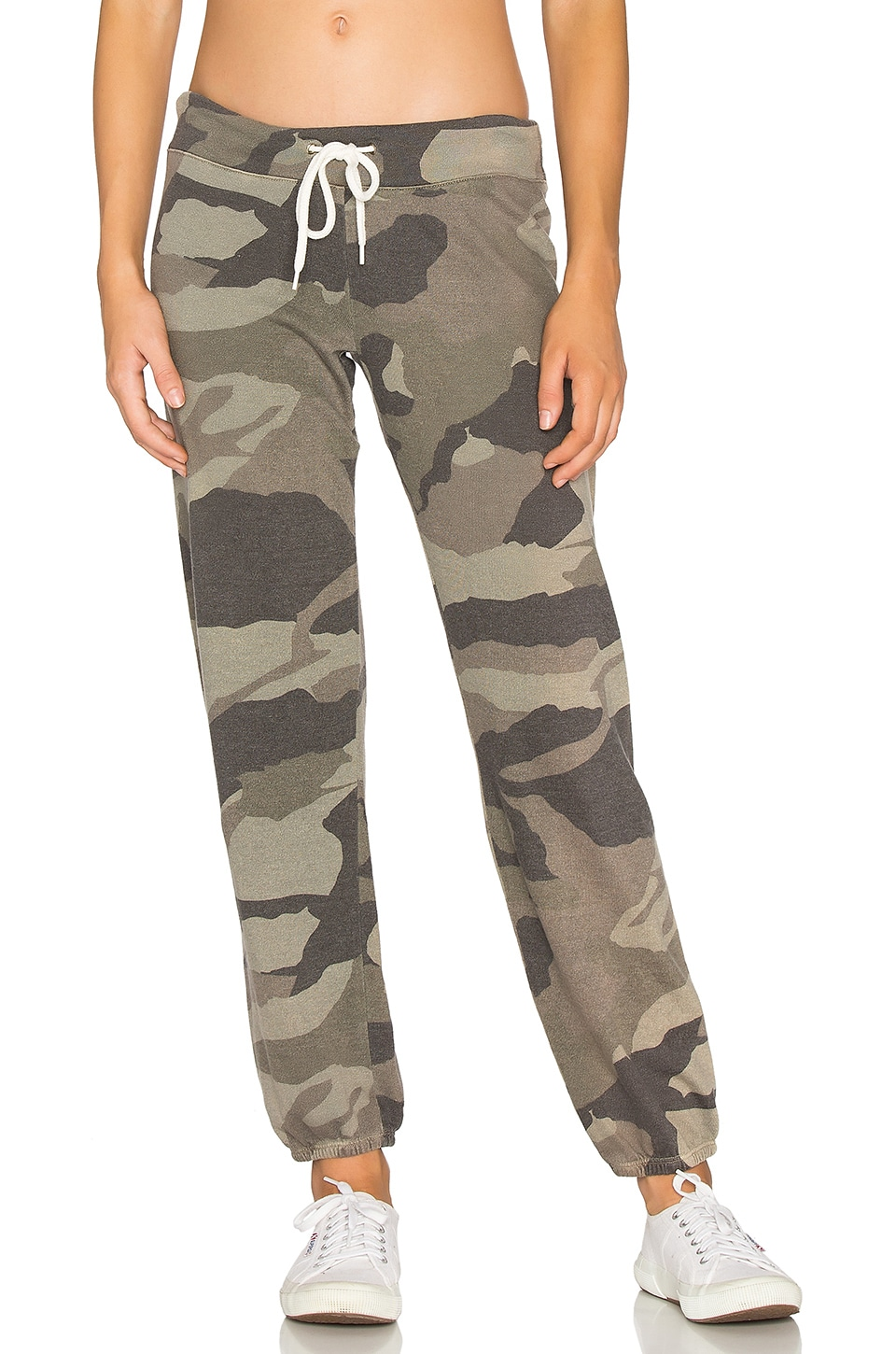 MONROW Oversized Camo Sweatpant in Olive