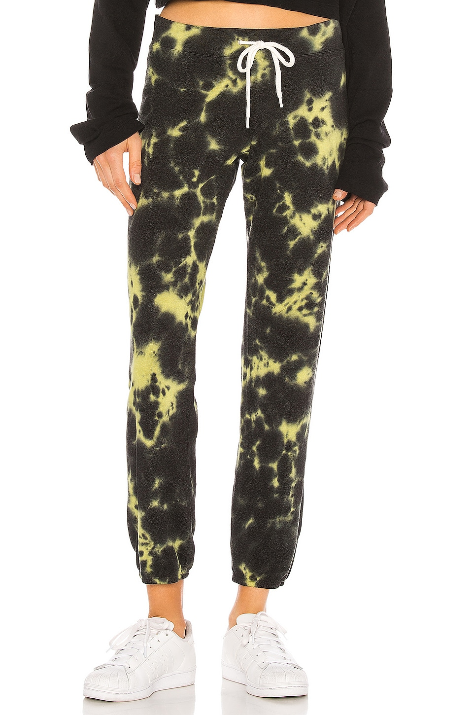MONROW Vintage Sweats With Black Out Tie Dye in Citron