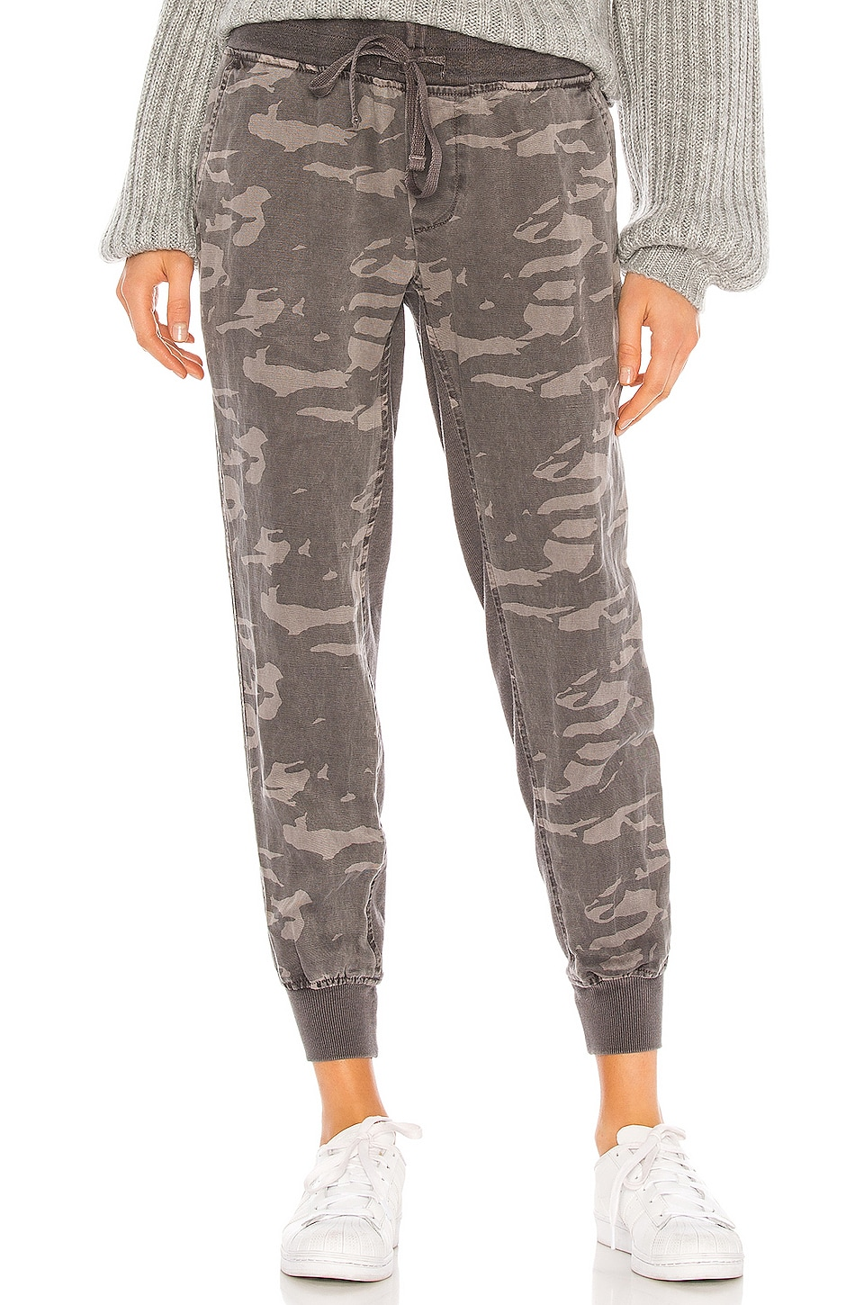 MONROW Camo Jogger With Contrast Rib in Vintage Black
