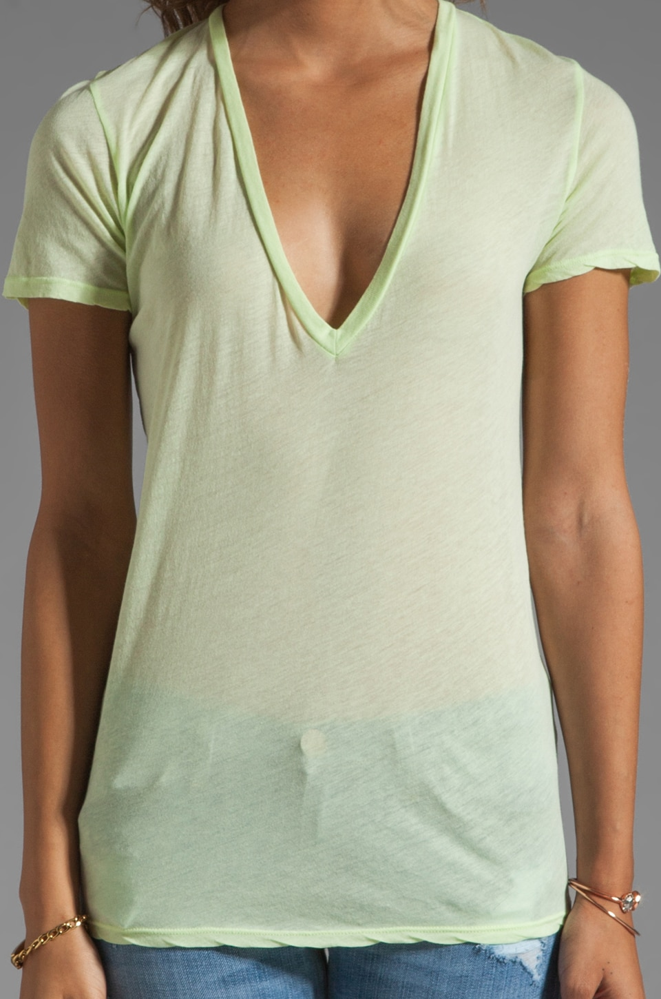 MONROW Tissue V Neck Tee in Fizz