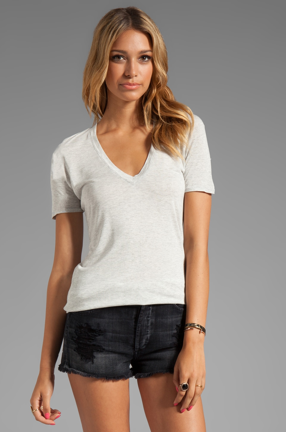MONROW Rayon Basic V-Neck Tee in Ash