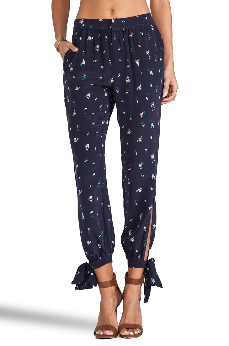 harlyn Open Tie Trouser in Navy Floral