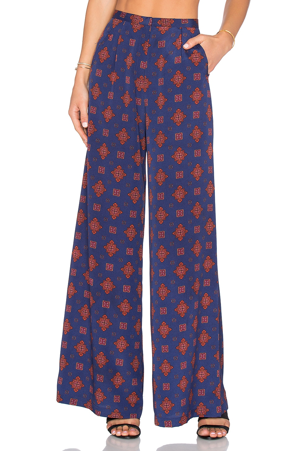 House of Harlow 1960 x REVOLVE Des Pant in Navy Scarf
