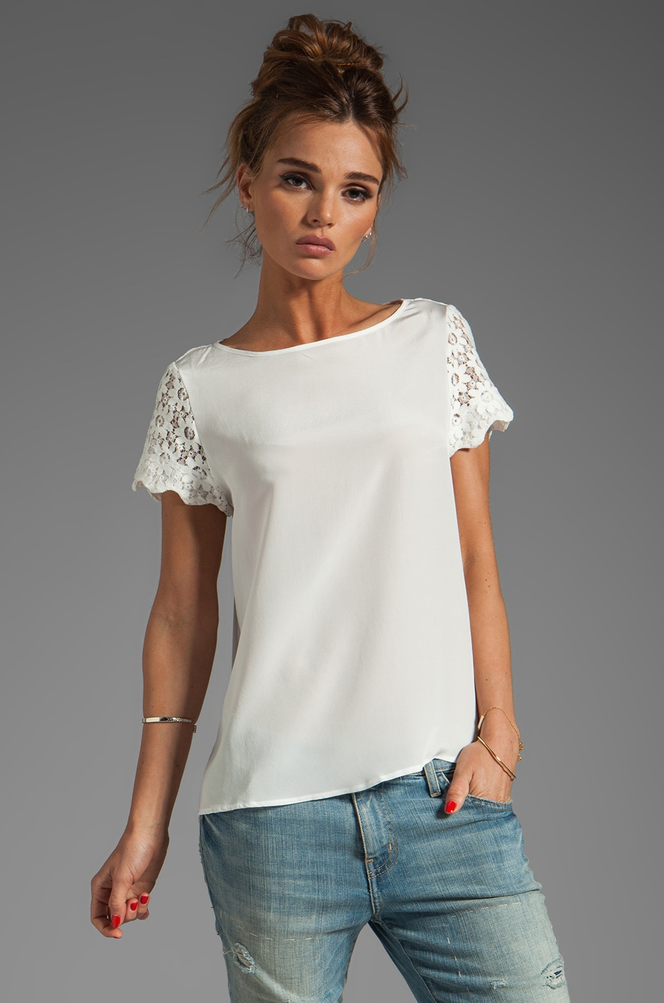 Heather Lace Scallop Sleeve Drape Tee in White
