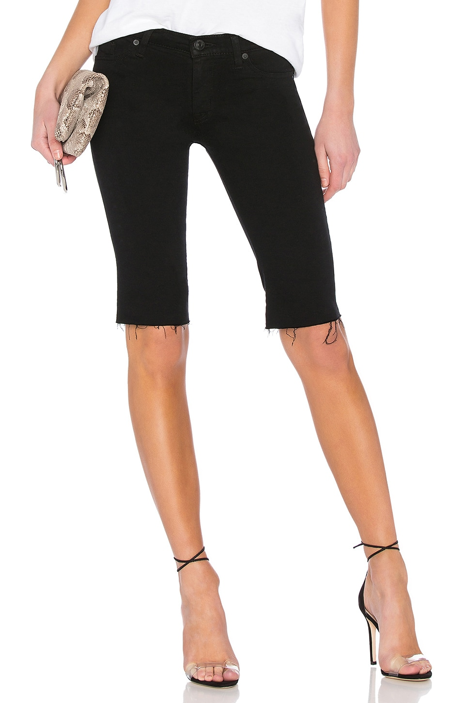 Hudson Jeans Amelia Cut Off Knee Short en Black