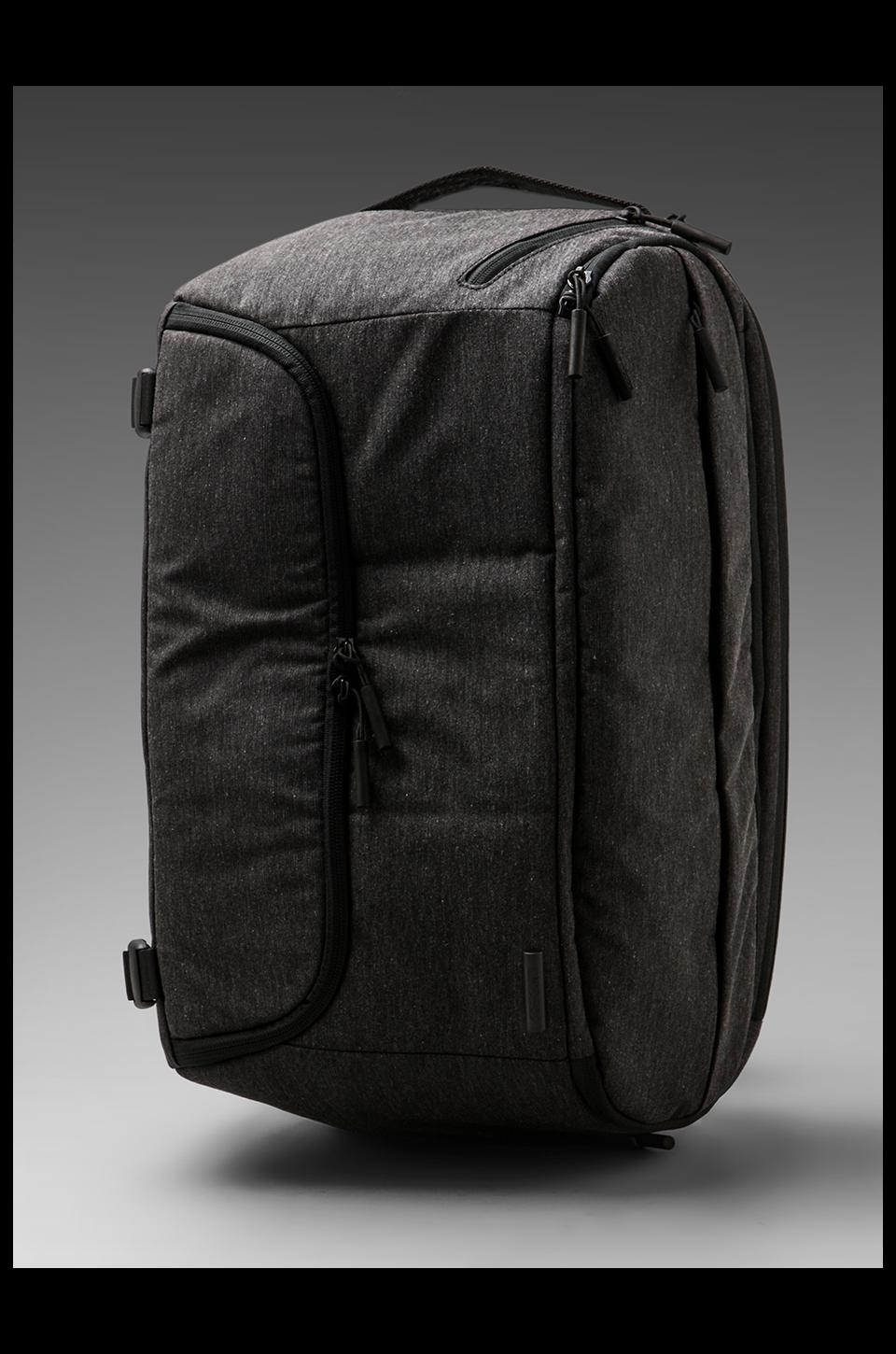 INCASE DSLR Pro Sling Pack in Black
