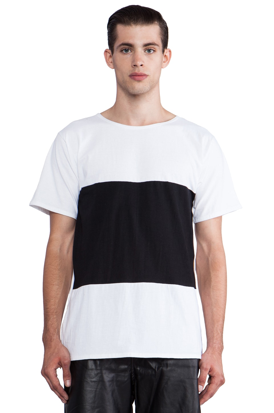 Iridium W/B Oversized T-Shirt Zipp in Black & White