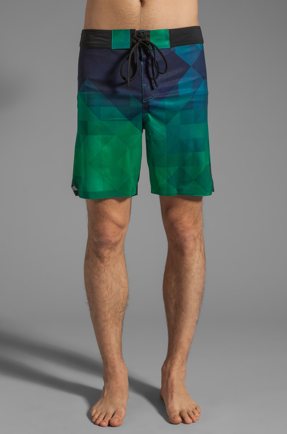 ISAORA Pixilated Printed Welded Stretch Board Short in Green
