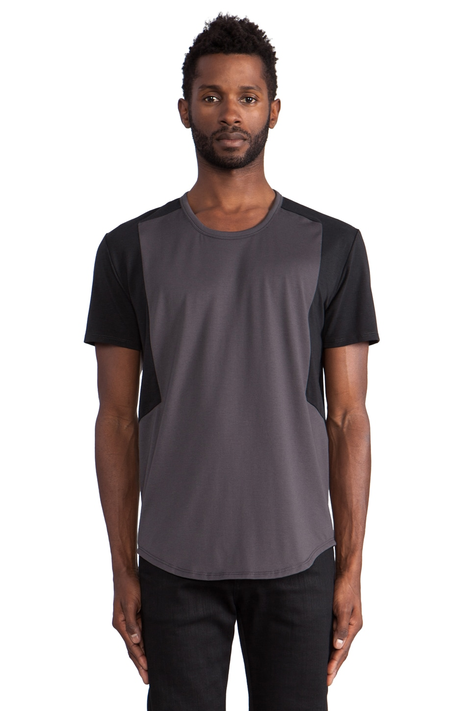 ISAORA Wik-Tech Shoulder Panel Tee in Black/Charcoal