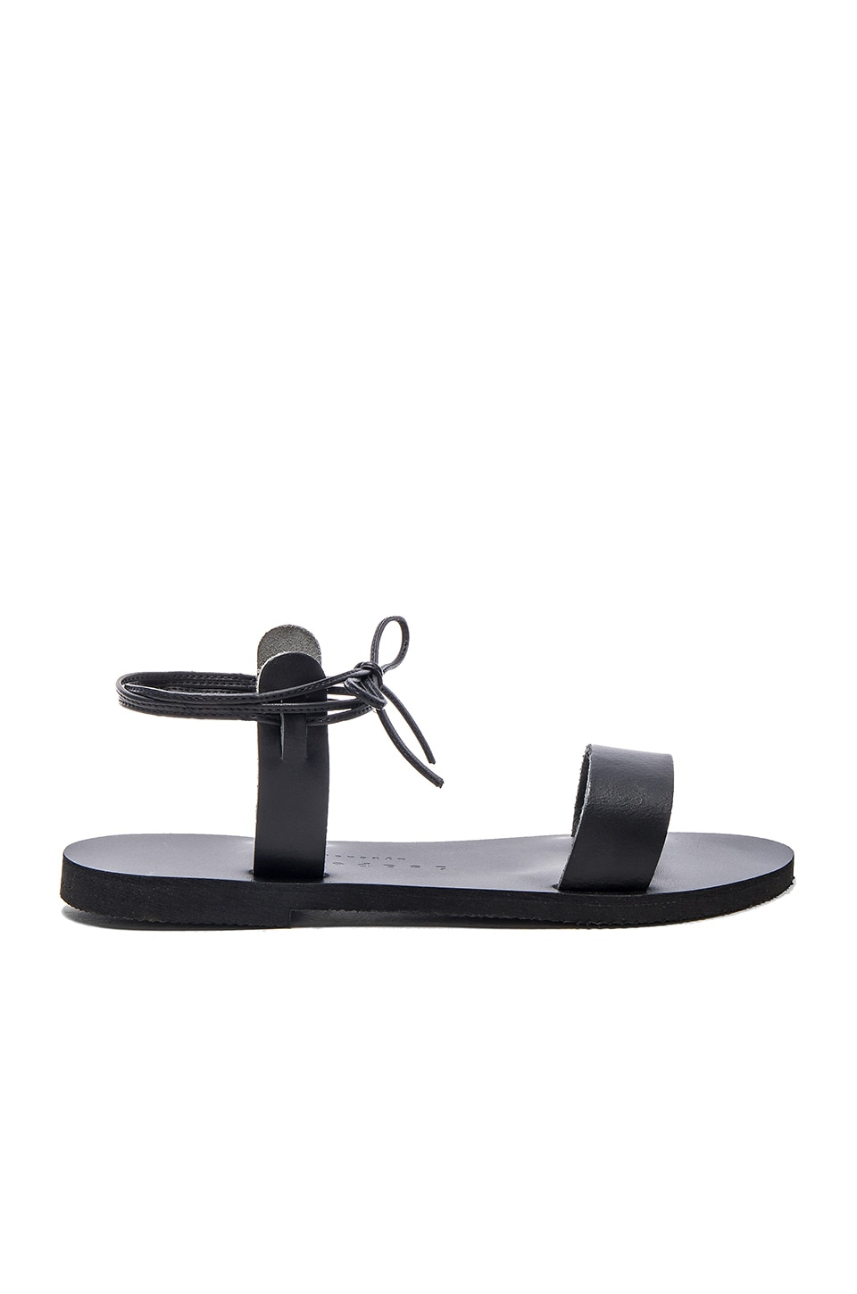 isapera Thyme Sandal in Black