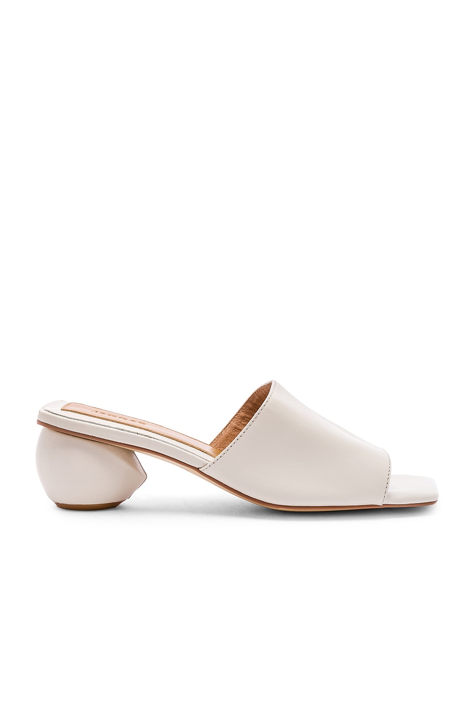 JAGGAR Orb Heel in Cream