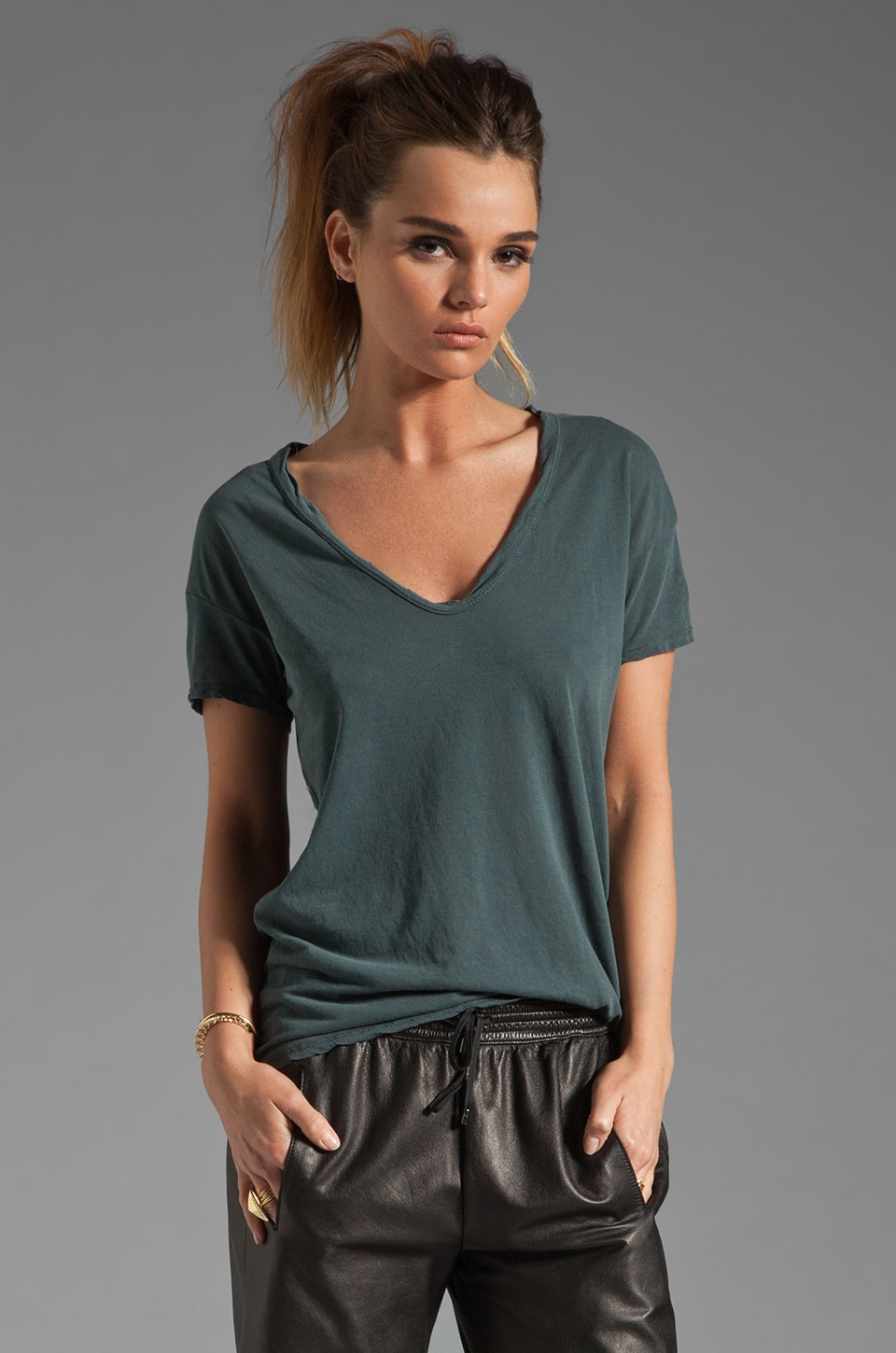 James Perse Relaxed Fit Soft V Short Sleeve Tee in Field