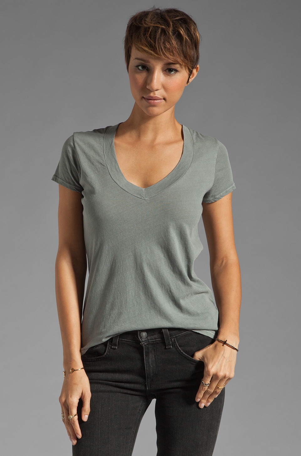 James Perse Short Sleeve Casual V Neck Tee in Silverfox