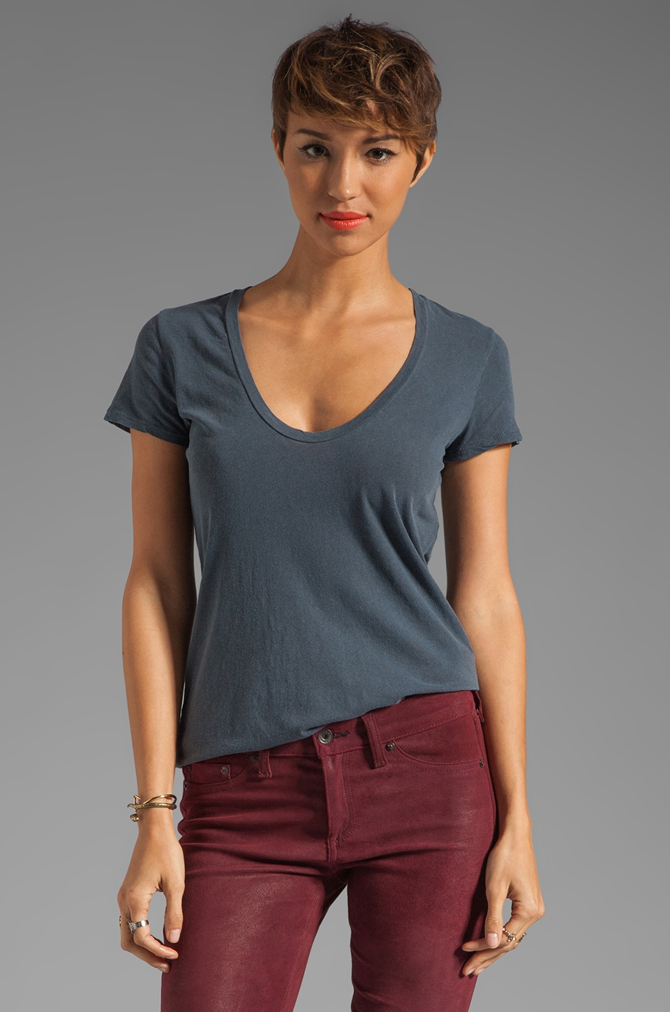 James Perse Short Sleeve Casual Scoop Tee in Titan