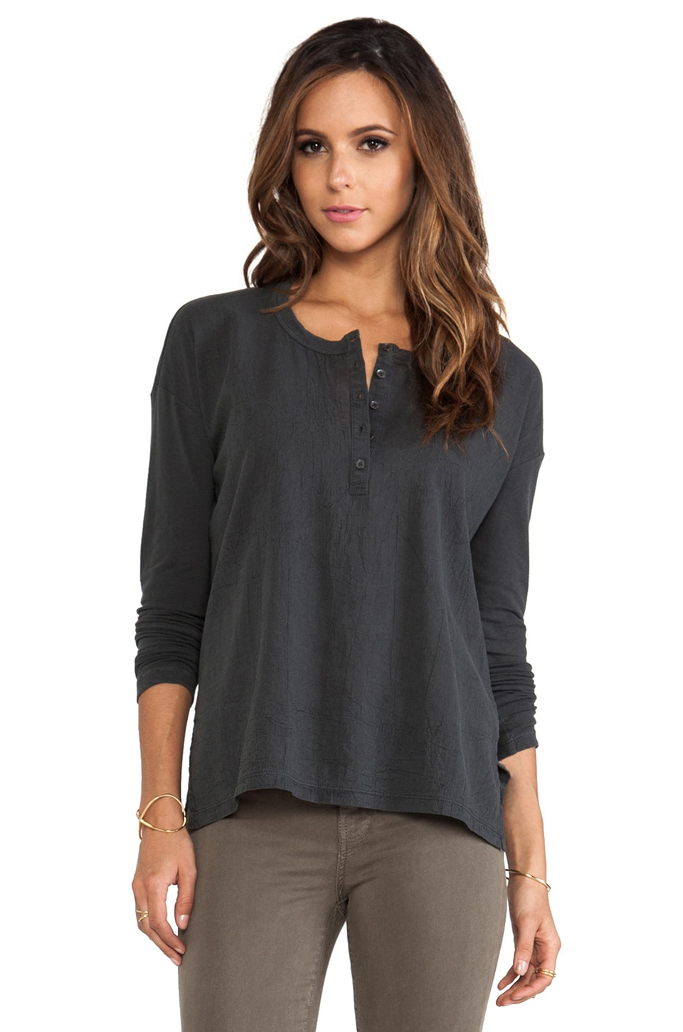 James Perse Boxy Collage Henley in Carbon