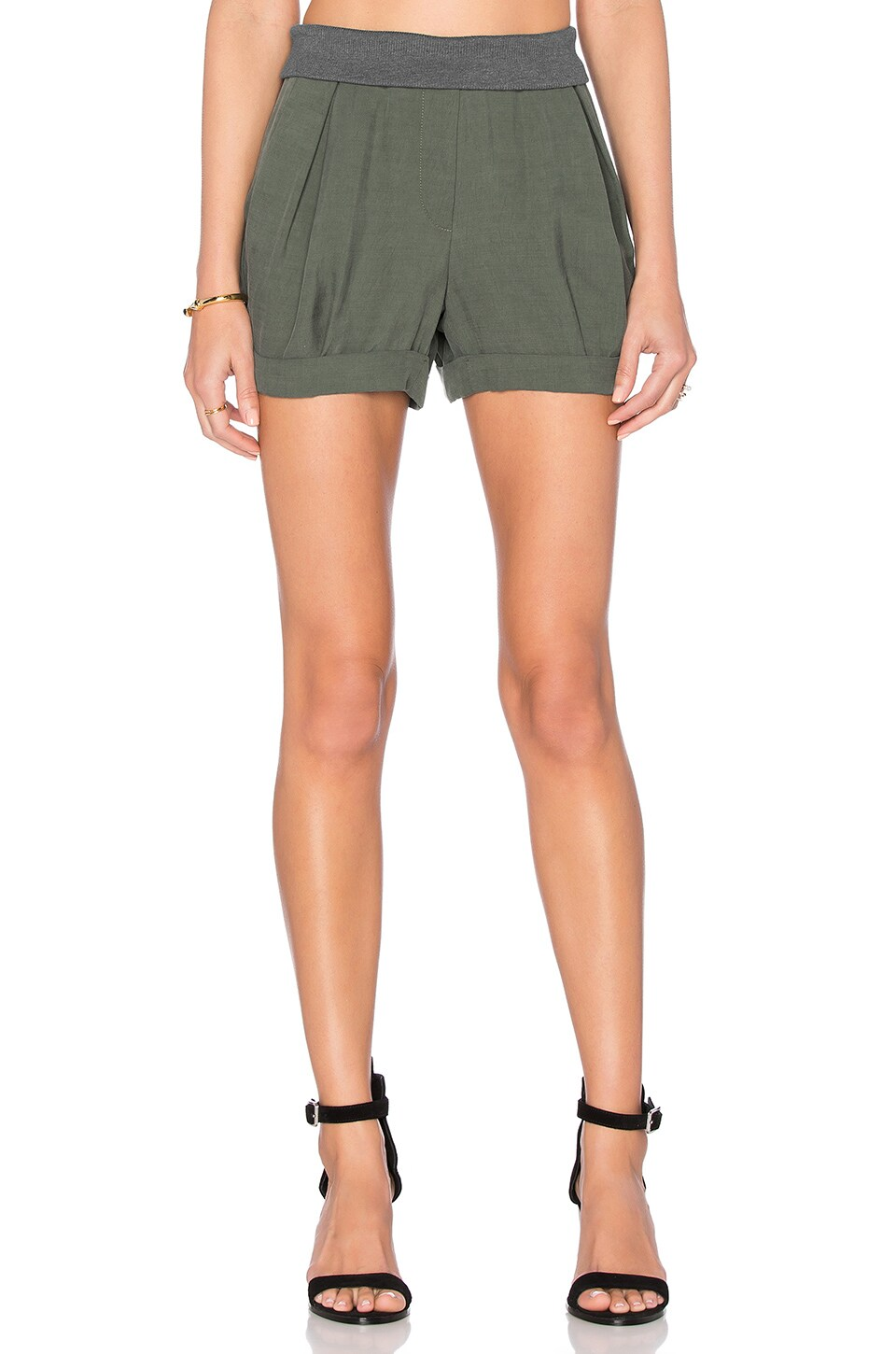 James Jeans Petal Pleated Short in Hunter Green
