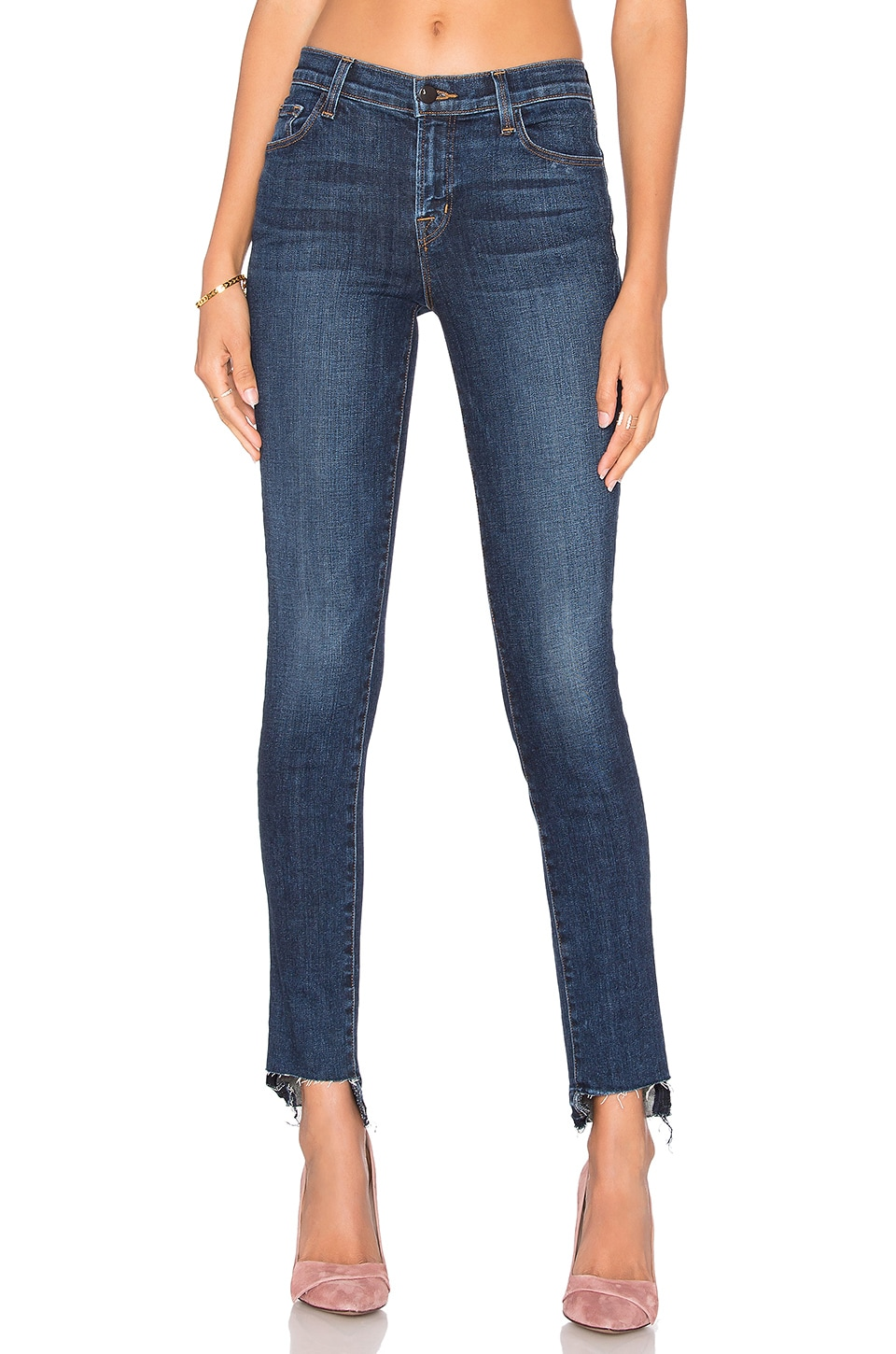 811 Mid Rise Skinny by J Brand
