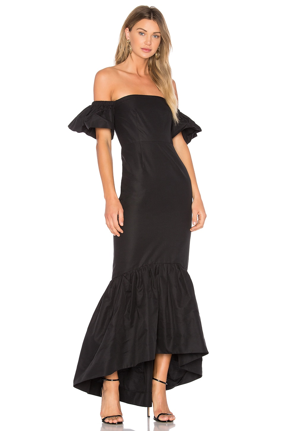 JILL JILL STUART Ruffle Off the Shoulder Maxi Dress в цвете Черный