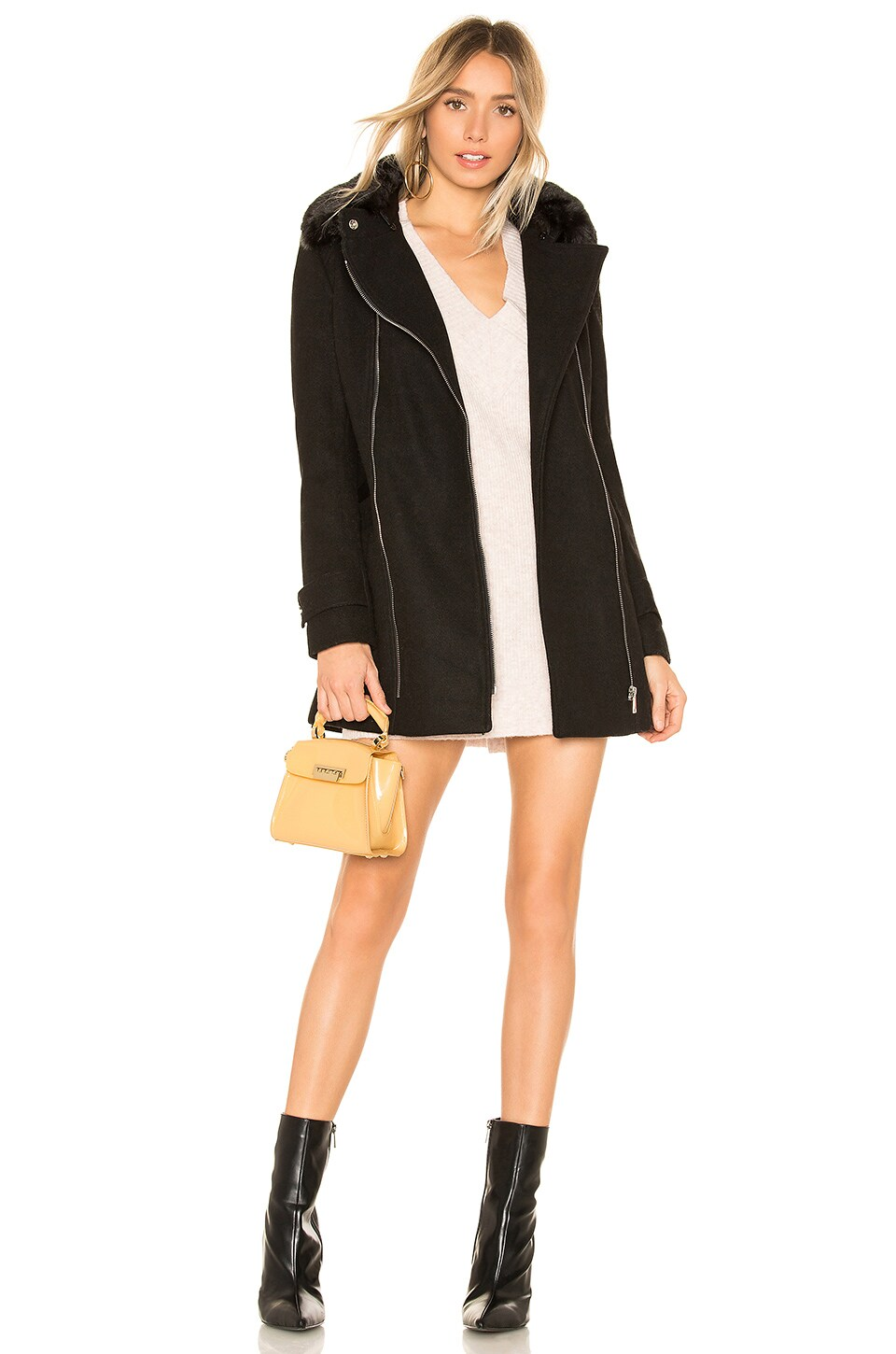 JOHN & JENN BY LINE Billie Coat With Faux Fur Collar in Black