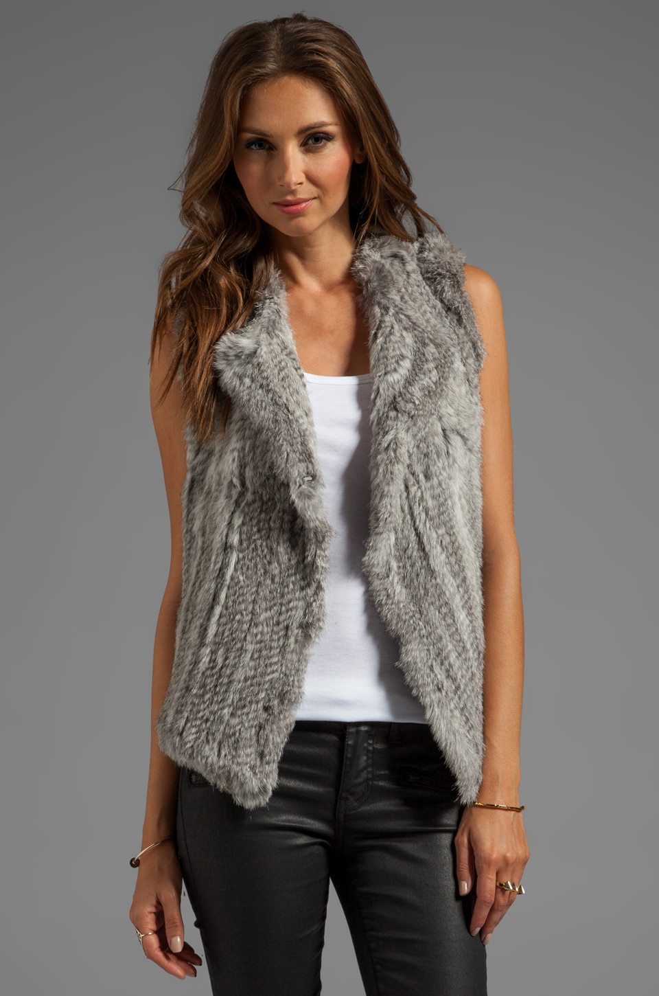 Joie Knitted Rabbit Fur Andoni Vest en Gris Naturel
