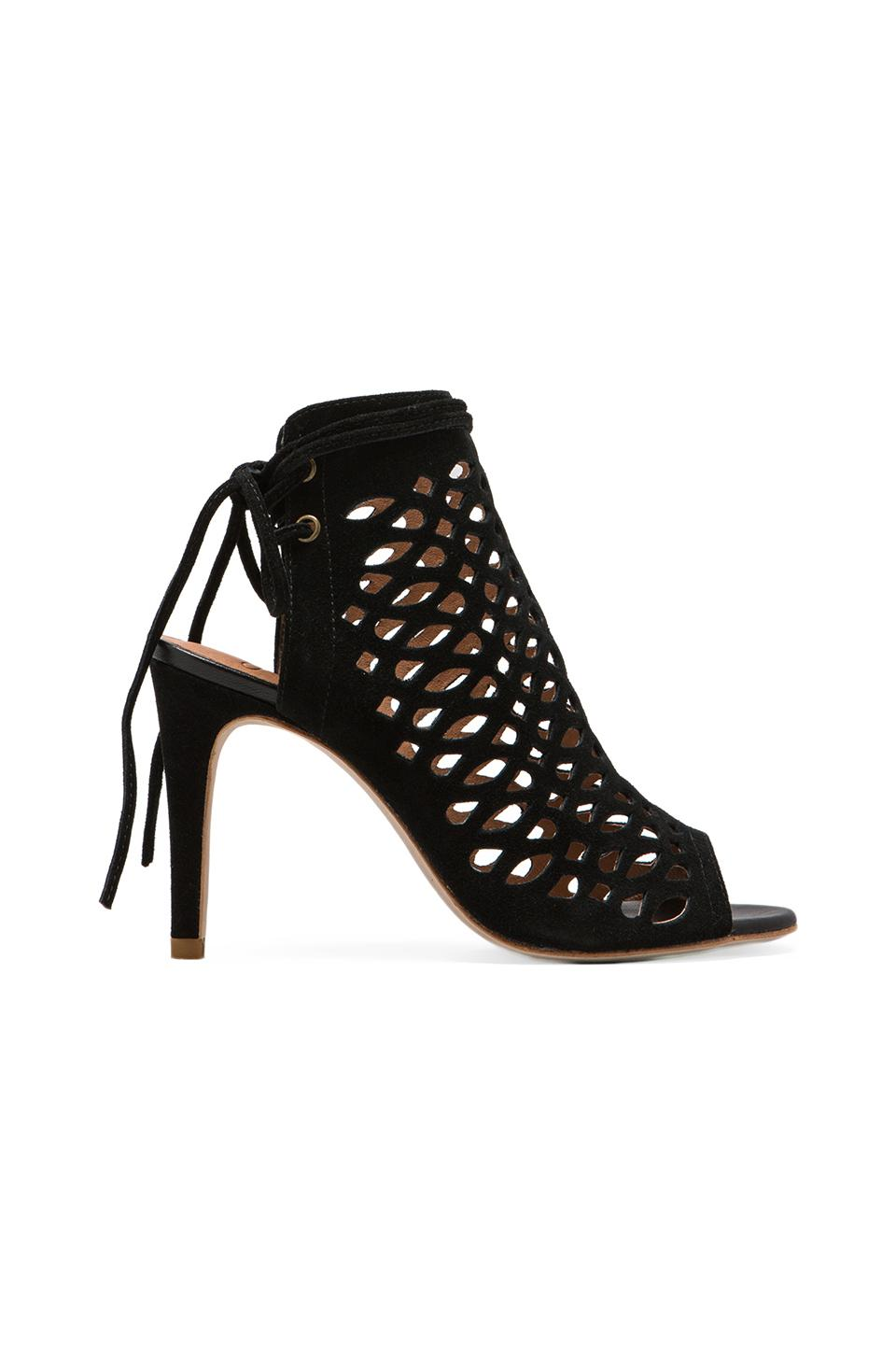 Joie Clayton Pump in Black