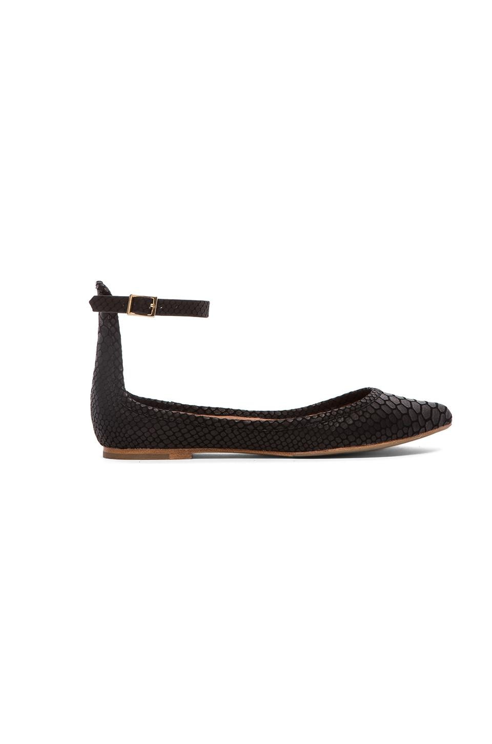 Joie Temple Flat in Black