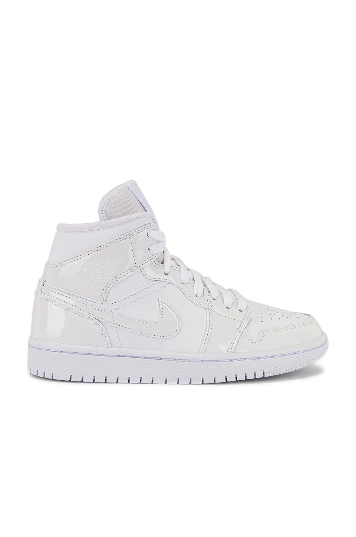Jordan AJ 1 Mid Sneaker in White & White