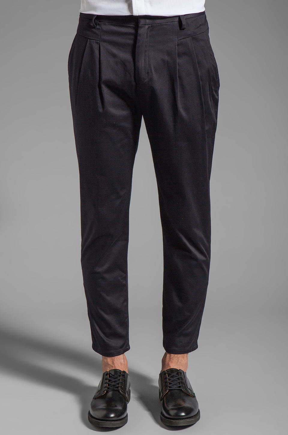 Kai-aakmann Pleated Pant in Navy