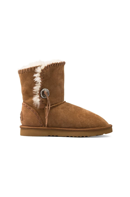 Koolaburra Trishka Short Boot with Twinface Sheepskin in Chestnut