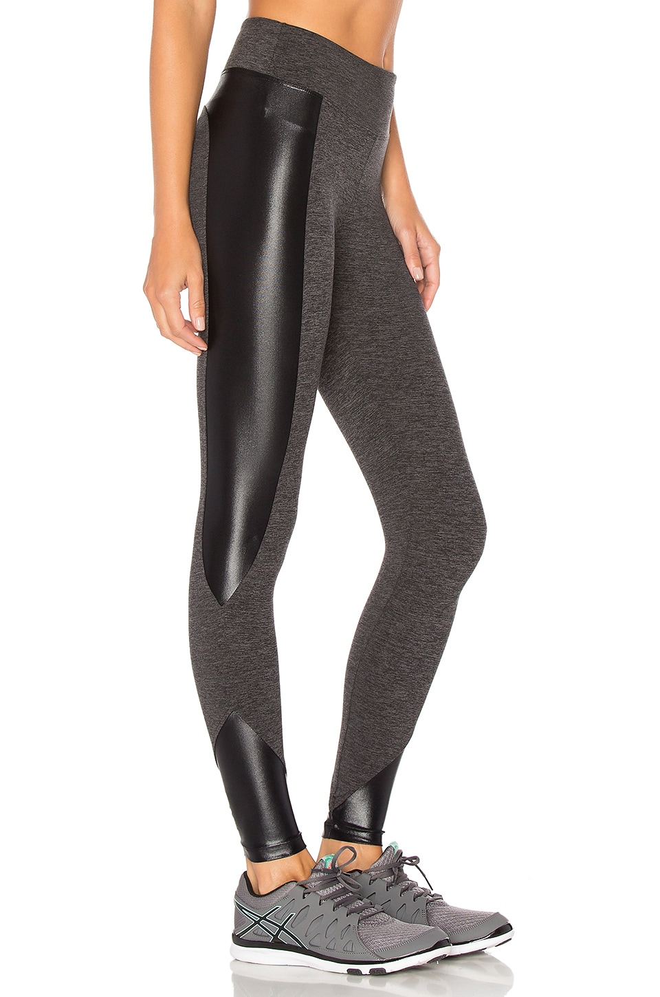 Curve Crop Legging by KORAL