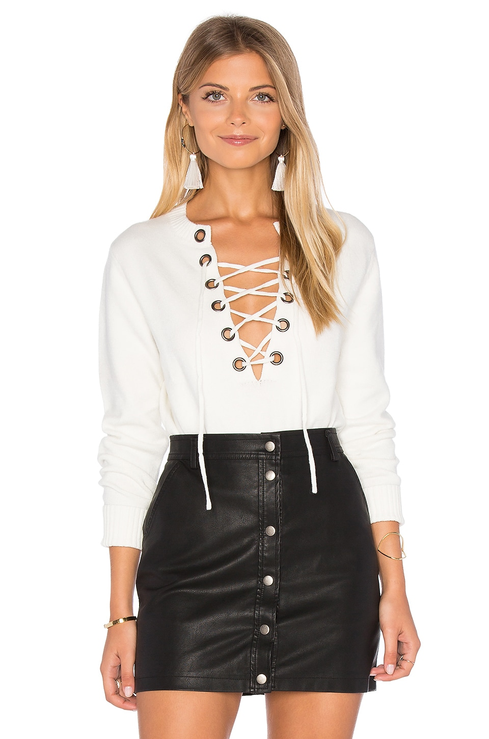 Line & Dot Lea Grommet Top in White