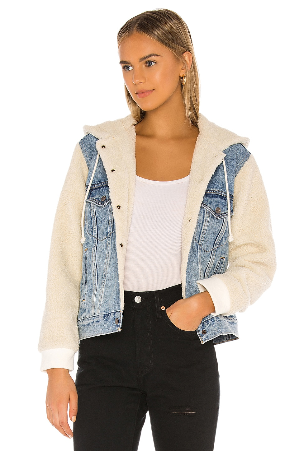 LEVI'S Ex-Boyfriend Sherpa Sleeve Trucker in Hidden River