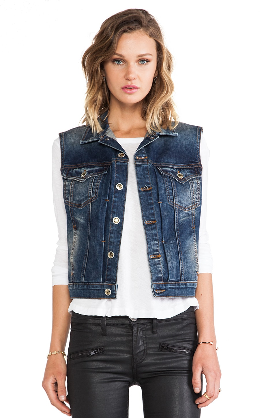 Level 99 Classic Vest in Dax