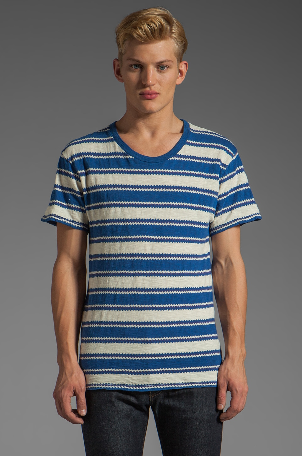 LEVI'S: Made & Crafted Regular Tee in Zigzag Blue
