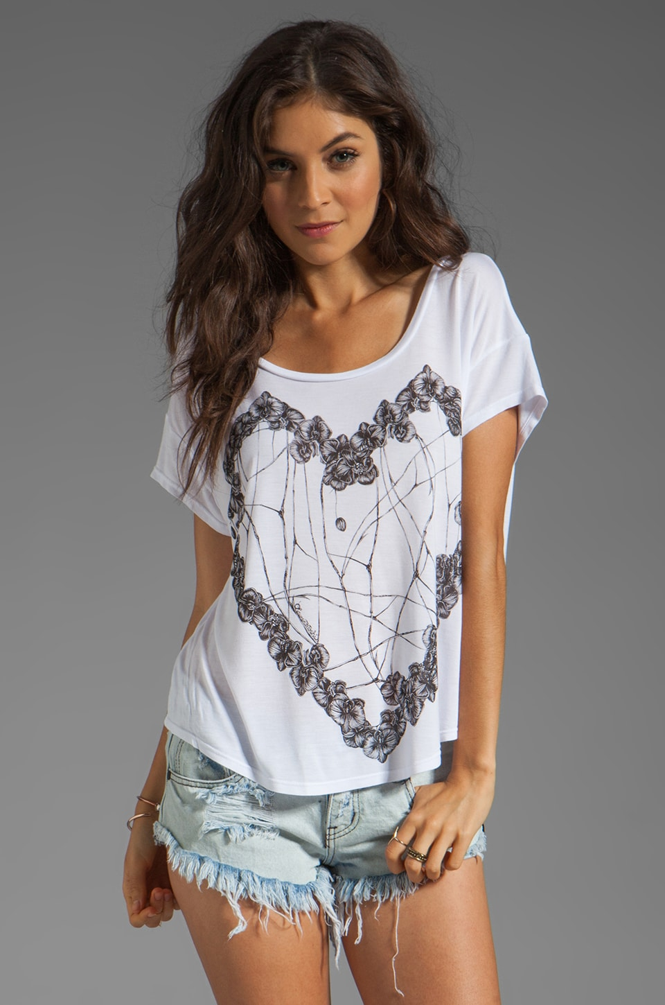 Lauren Moshi Audrey Large Orchid Heart Scoop Tee in White