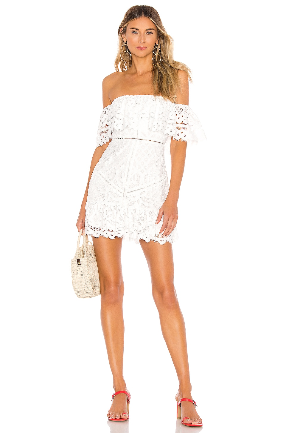 cf2a572c0 Lovers + Friends MINIVESTIDO HOMBRO DESCUBIERTO VINNIE en White ...